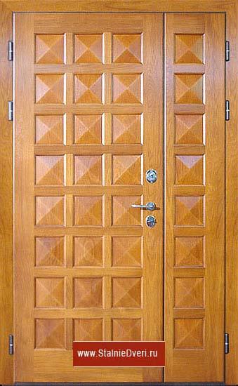 двери входные металлические отделка массив